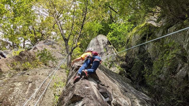 外岩で思いっきり登ってみよう